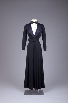 Dress Estevez, 1965-1975 The Goldstein Museum of Design