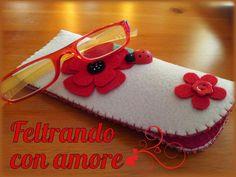 #portaocchiali in #feltro #panna con #papavero