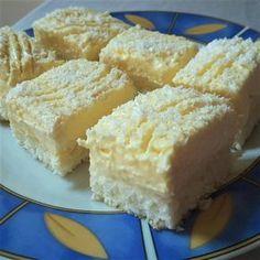 Ez a desszert nemcsak mutatós, de csodálatosan finom is Cookbook Recipes, Cookie Recipes, Dessert Recipes, Sweet Desserts, Sweet Recipes, Twisted Recipes, Different Cakes, Hungarian Recipes, Food Cakes