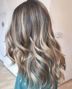 Superb Ideal Hair Color for Long Hairstyles 2018 Bronde Balayage The post Ideal Hair Color for Long Hairstyles 2018 Bronde Balayage… appeared first on 99 Hairstyles . Hair Color 2017, Hair Color And Cut, Easy Hairstyles For Long Hair, Hairstyles 2018, Curly Hairstyles, Hairstyles Videos, Scarf Hairstyles, Medium Hair Styles, Long Hair Styles