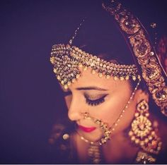 6 Months Bridal Beauty Countdown for Every Indian Bride! Indian Bridal Wear, Indian Wedding Jewelry, Indian Jewelry, Bridal Jewelry, Bridal Poses, Bridal Portraits, Indian Marriage, Desi Bride, Hair And Beauty Salon