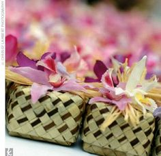 Lauhala boxes filled with hawaiian candies, topped with an orchid and ribbon. Wedding Favor Boxes, Wedding Party Favors, Wedding Gifts, Wedding Ideas, Wedding Stuff, Wedding Inspiration, Hawaiian Candy, Kauai Wedding, Island Weddings