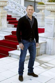 Daniel Craig viril en casual wear
