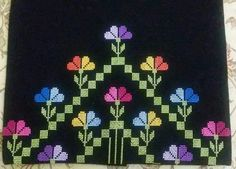 This Pin was discovered by şen Simple Cross Stitch, Cross Stitch Borders, Cross Stitch Designs, Cross Stitch Patterns, Floral Embroidery, Cross Stitch Embroidery, Embroidery Designs, Crafts To Do, Fabric Art