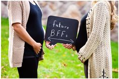Cute picture for best friends pregnant at the same time! In the future i will surly do this.