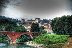 Castello di moncalieri    http://static.turistipercaso.it/image/p/piemonte/piemonte_s3w25.T0.jpg