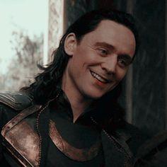 Image about smile in marvel icons by dani on we heart it Loki Avengers, Marvel Actors, Marvel Characters, Marvel Avengers, Loki Wallpaper, Avengers Wallpaper, Loki Laufeyson, Loki Aesthetic, Wanda Marvel