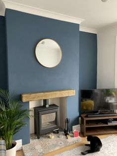 Blue Feature Wall Living Room, Blue Living Room Decor, Accent Walls In Living Room, Cottage Living Rooms, Living Room Color Schemes, Living Room Colors, New Living Room, Living Room Designs, Dark Blue Feature Wall