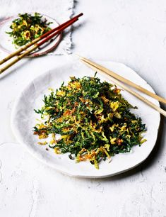 Try our crispy fried cabbage recipe. This cabbage recipe is an easy cabbage recipe for crispy seaweed. Make this fried cabbage recipe for an easy side dish Vegan Recipes Plant Based, Vegan Lunch Recipes, Veg Recipes, Side Dish Recipes, Savoury Recipes, Asian Recipes, Recipies, Veg Crispy, Crispy Seaweed