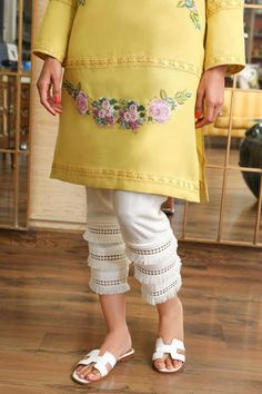 Pakistani Fashion Casual, Pakistani Dresses Casual, Pakistani Dress Design, Designer Party Wear Dresses, Kurti Designs Party Wear, Indian Designer Outfits, Designer Wear, Stylish Dresses For Girls, Stylish Dress Designs