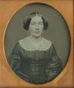PRETTY LADY with LACE COLLAR BY MOULTON of FITCHBURG, MA SIXTH PLATE Daguerreotype