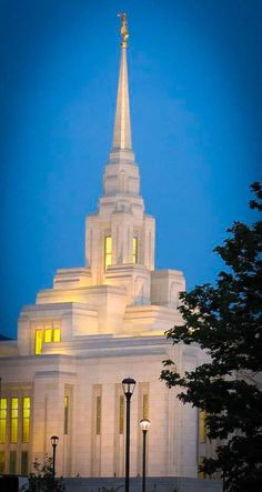 I visited the Ogden Utah Temple over the weekend. (: it was absolutely gorgeous, and such an amazing experience!!