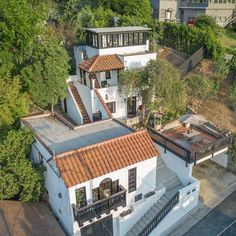 Lots Of Levels - James Franco Lists His Cali-Cool Silver Lake Home For $949K - Photos