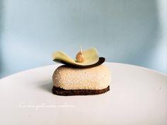 Blog di pasticceria, cucina e lievitati: torte  e dolci moderni, tradizionali rivisitati e fiori in crema al burro.