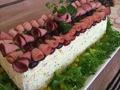 Liian hyvää: Kinkku-suolakurkku-voileipäkakku Sandwich Cake, Sandwiches, Savory Pastry, No Salt Recipes, Salty Cake, Edible Food, Savory Snacks, Ham And Cheese, Food Crafts