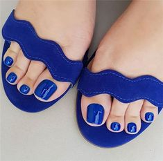Amazing Toe Nails Designs To Choose In Summer - Nail Art Connect Acrylic Toe Nails, Glitter Toe Nails, Gel Toe Nails, Feet Nails, Nail Gel, Simple Toe Nails, Pretty Toe Nails, Pretty Toes, Wedding Toe Nails