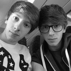Ciuffi Rossi - I just discovered them, such a cute twins!! *o*