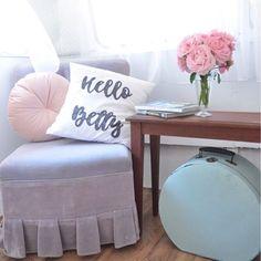 Caravan Bar, Pink Vans, Mobile Bar, Wedding Props, Ottoman, Instagram Posts, Furniture, Home Decor, Decoration Home