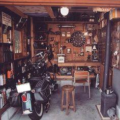 Garage shop metal and hand planer jointer. Man Cave Garage, Garage House, Garage Shop, Dream Garage, Garage Studio, Garage Workshop, Workshop Ideas, Interior Window Shutters, Garage Interior