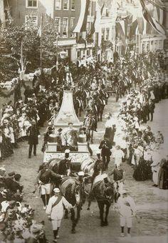 Inhuldiging Koningin Wilhelmina 30 en 31 augustus 1898 Westhavenkade