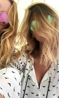 Zoe Sugg, Zoella, Youtubers, Selfie, Hair Styles, People, Beauty, Blueberry, Inspiration