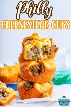 This Philly Cheesesteak Cups Recipe takes your favorite sandwich and turns it into hand held bites that are cheesy, delicious and ready in 30 minutes! Crescent Roll Dough, Crescent Roll Recipes, Great Recipes, Favorite Recipes, Country Cooking, Ground Beef Recipes, Us Foods, Cheesesteak, Recipe Using