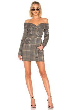 Off shoulder, long sleeve, sequin mini dress by AKIRA. Fashion Sites, Fashion Group, Fashion Outfits, Womens Fashion, Couture Mode, Couture Fashion, Distressed Dress, Fancy, Sequin Mini Dress