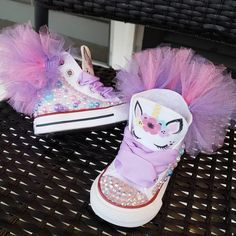 Unicornio Converse w/Puff Ball Baby Girl Birthday Outfit, Unicorn Themed Birthday Party, Baby Girl Shoes, Unicorn Party, Baby Birthday, 6 Month Baby Picture Ideas, Bedazzled Shoes, Unicorn Outfit, Baby Month By Month