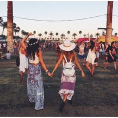 Half the fun of festivals is the dressing up part #coachella