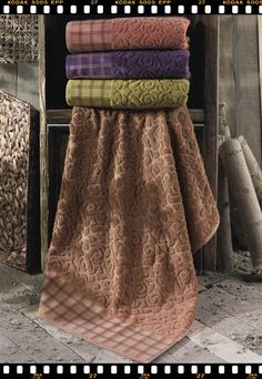 http://turkishlinen.com/79/2/detay/_Luxury_towels_Turkish_Linen_High_Quality_Jacquard_Damask_Design_Towels.html