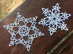 Winter Nails Designs - My Cool Nail Designs Silver Christmas Decorations, Christmas Nail Designs, Christmas Ideas, White Nail Designs, Cool Nail Designs, Blue And White Nails, Tatting Patterns Free, Crochet Patterns, Snowflakes