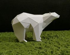 This Polar Bear paper model without textures is offered by Geo Animals, a Japanese website. Este modelo de papel de um Urso Polar sem ...