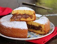 La torta Nutella 7 vasetti è un dolce da dispensa morbidissimo e goloso. Facile da preparare, ottimo per la colazione e la merenda.