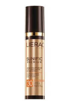 Sunific Premium de Lierac, la crème solaire anti-âge pour le visage et le décolleté.