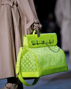 A bag from the Louis Vuitton Men's Fall-Winter 2019 Fashion Show by Virgil Abloh, presented in Paris, France. Fall Handbags, Gucci Handbags, Luxury Handbags, Louis Vuitton Handbags, Purses And Handbags, Louis Vuitton Monogram, Designer Handbags, Ladies Handbags, It Bag
