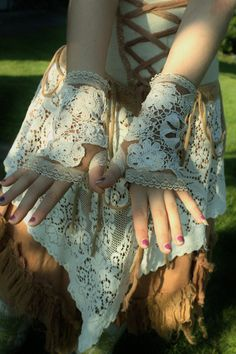fairy pirate style romantic wool and crochet lace puls wrist warmers in cream ivory beige fingerless gloves bracelet