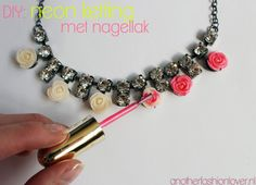 DIY neon necklace