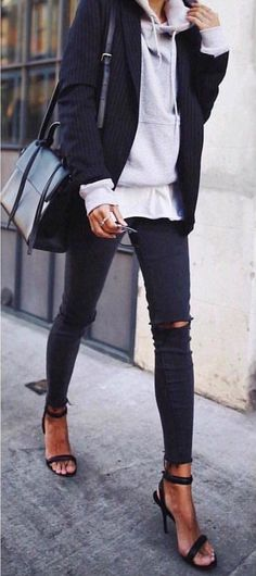 Basic Fall Outfits To Copy Right Now Black Jacket + Grey Sweater + Black Ripped Skinny Jeans + Black Sandals Classy Fall Outfits Basic fall Outfits Fashion-forward Summe Black Heels Outfit, Heels Outfits, Mode Outfits, Fashion Outfits, Fashion Clothes, Sneakers Fashion, Jackets Fashion, Jeans Fashion, Black Shoes