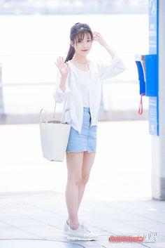 Iu Fashion, Korean Fashion, Airport Fashion, Fashion Ideas, Korean Outfits, Sexy Outfits, Kpop Girl Groups, Kpop Girls, World's Cutest Girl