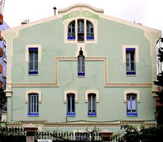 Residencial La Salle (1913) Carrer de Sant Joan de La Salle 40 Barcelona. Architecte : Manuel Raspall.