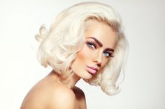 Everything You Need To Know About Bleach Bath Hair Lights, Light Hair, Dark Roots Blonde Hair, Bleach Blonde Hair, Bleach Bath Hair, Acv Hair, Bleach And Tone, Bleaching Your Hair, Dying Your Hair