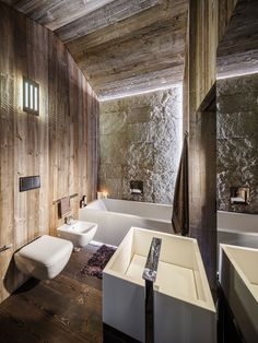 The interior of this chalet house located in Italy was developed by the architectural studio ZWD-Projects. An ordinary attic was turned into a marvelous penthouse apartment. Chalet Interior, Best Interior, Eclectic Bathroom, Modern Bathroom, Chalet Design, House Design, Spa Furniture, Grey Pictures, Cabin Interiors