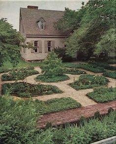 Oh my - beautiful veggie garden