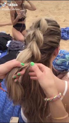 Hair Up Styles, Medium Hair Styles, Hair Medium, Medium Brown, Easy Hairstyles For Long Hair, Braided Hairstyles, Scrunched Hairstyles, Hairstyles For Working Out, Cute Cheer Hairstyles
