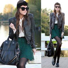 Gipsy chic #streetstyle #turbante #saia #skirt #fashion #moda #streetchic #gipsychic #jaqueta #leather #jacket #loafer #meiacalça #look #looks