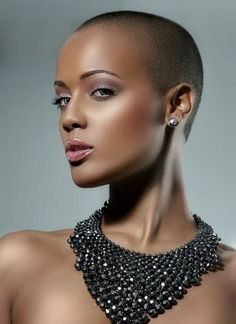 beautiful-bald-women-styles0241
