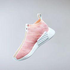 122.7K 個讚,1,533 則留言 - Instagram 上的 adidas Originals(@adidasoriginals):「 Explosions of colour. In the next installment of #SneakerExchange, adidas Consortium brings… 」