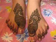 Fashion Bridal Mehndi for Feet 2013 Peacock Mehndi Designs, Unique Mehndi Designs, Beautiful Henna Designs, Mehndi Design Images, Bridal Mehndi Designs, Mehandi Designs, Mehandi Henna, Leg Henna, Foot Henna