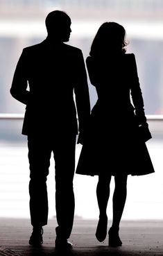 GETTY IMAGES This dramatic silhouette shows the Duke and Duchess of Cambridge, who are known as the Duke and Duchess of Strathearn in Scotland, at the opening of the Dundee, Scotland's first design museum. Princess Anne, Princess Charlotte, Kate Middleton, British Royal Families, Prince William And Kate, King William, Duke Of Cambridge, Duchess Of Cornwall, Duke And Duchess