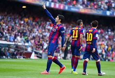 Luis Suarez of FC Barcelona celebrates after scoring the opening goal during the La Liga match between FC Barcelona and Valencia CF at Camp Nou on April 18, 2015 in Barcelona, Catalonia.